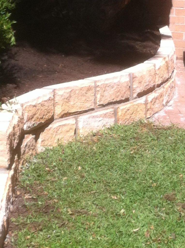 Retaining wall made of brick